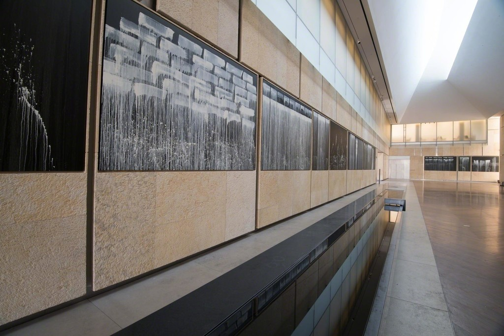 Pat Steir Silent Waterfalls: The Barnes Series, 2019. The Barnes Foundation, installation view. Image © The Barnes Foundation / Photo by J. Ramsdale