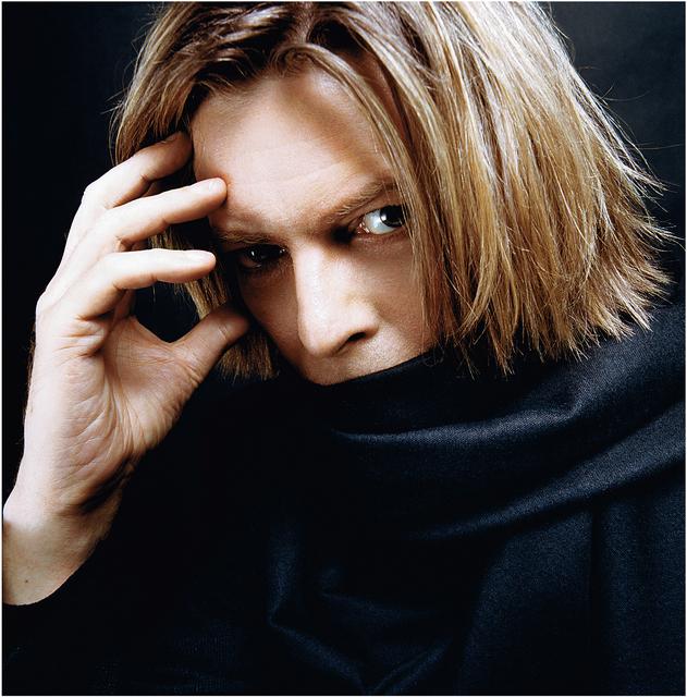 , 'Bowie with Black Scarf,' 2002, TASCHEN