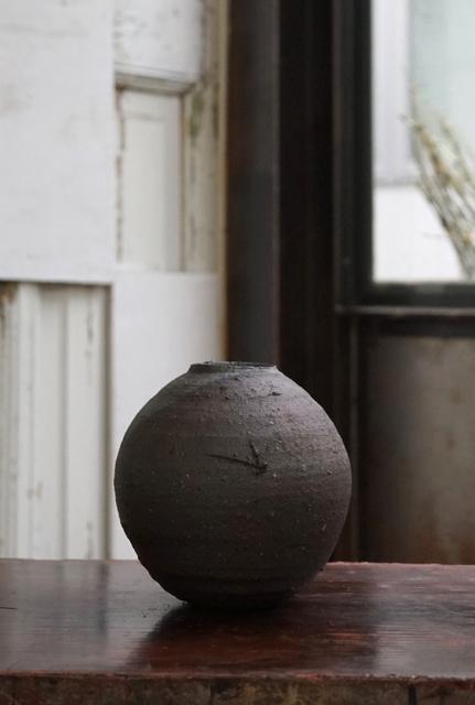 , 'Yakishime Round Jar,' 2019, Kami ya Co., Ltd.