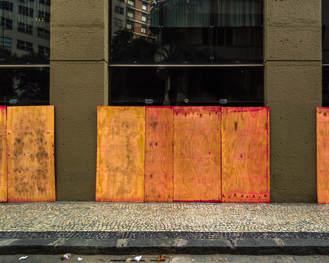 , 'Sem título #27 - da série Mitigação sem impacto (Convite à pintura) [Untitled #27 - from the series Mitigation without impact (Invitation to painting) ,' 2013, Portas Vilaseca Galeria