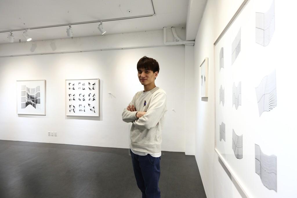Artist, Hyunho Choi, at Grigo Gallery