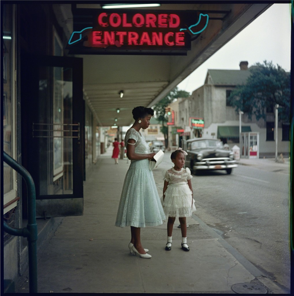 Department Store, Mobile, Alabama, 1956 © Gordon Parks / Courtesy of  The Gordon Parks Foundation