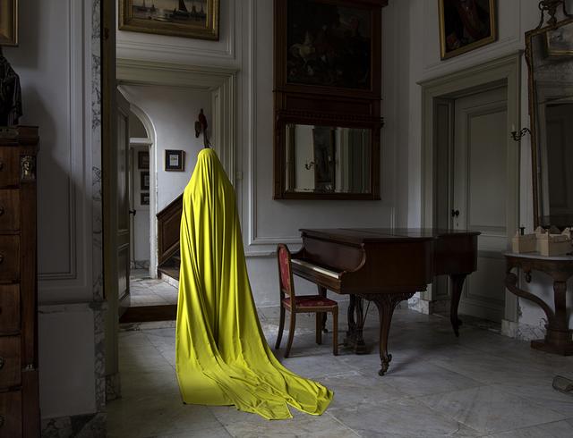 Güler Ates, 'Woman in Huys te Warmond I', 2014, Luciana Caravello Arte Contemporânea