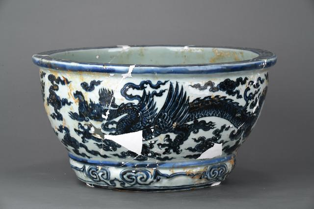 , 'Flower pot with winged dragons and cloud in blue and white,' Zhengtong to Tianshun, Ming Dynasty(1436, 1464), Art Museum of the Chinese University of Hong Kong