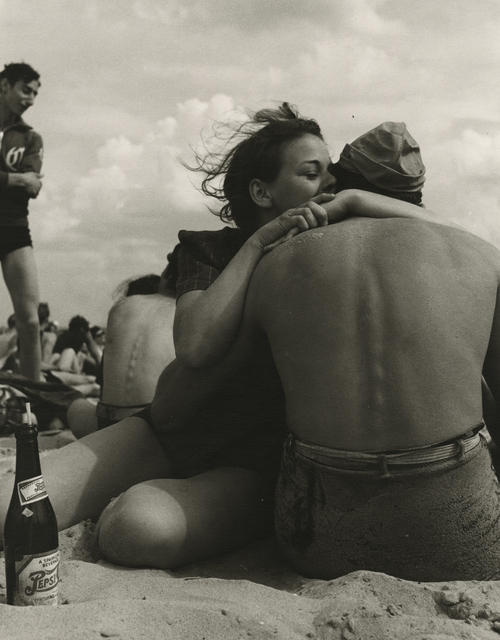 Morris Engel, 'Coney Island Embrace, NYC', 1938, Photography, Gelatin silver print; printed later, Howard Greenberg Gallery