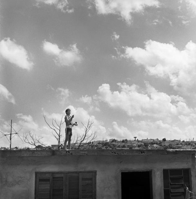, '49 Menino Empinando Pipa,' 1978, Luciana Brito Galeria