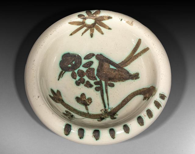 Pablo Picasso, 'Oiseau sous le soleil', 1952, Sculpture, Earth of white faience, decoration with oxidized paraffin., BAILLY GALLERY
