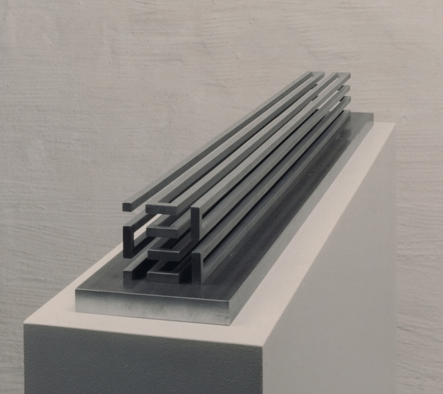 , 'stab, dreiachsig, geschlängelt,' 1998/99, Edition & Galerie Hoffmann