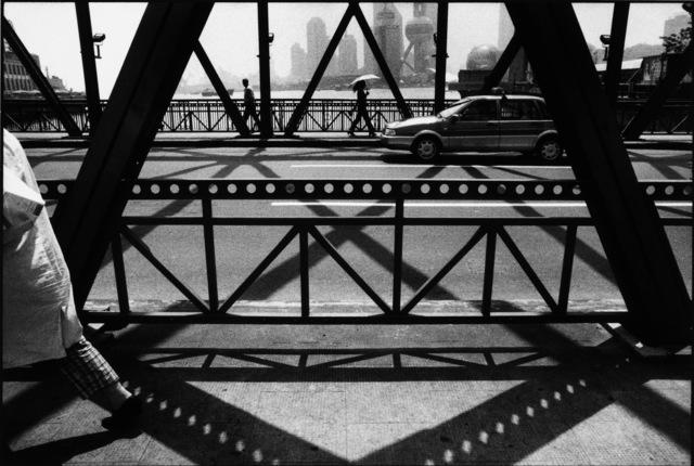 Marc Riboud, 'Shanghaï, 2002', 2002, Photography, Silver Gelatin Print, Galerie Arcturus