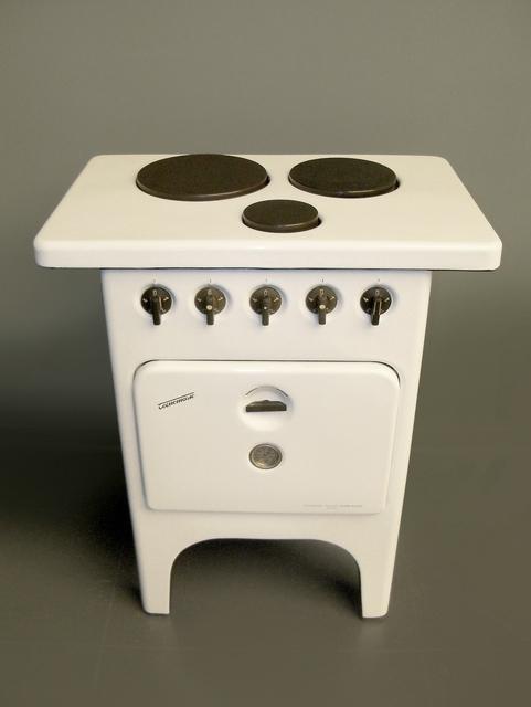 , 'Cucina elettrica tipo CN3 a tre piastre con forno,' 1949, Triennale Design Museum