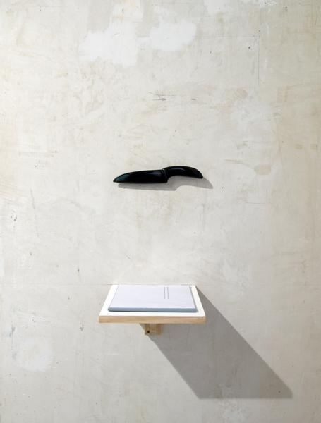 , ' Escultura de cuchillo. Instrumento de creación ,' 2009, Formatocomodo