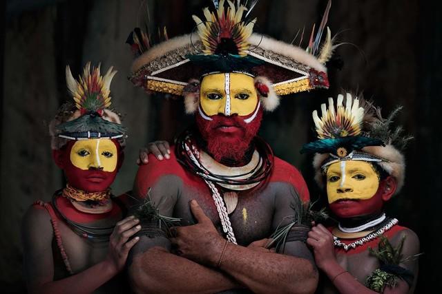 , 'XXXIII 22 Huli Wigman, Tari,  Papua New Guinea,' 2017, WILLAS Contemporary