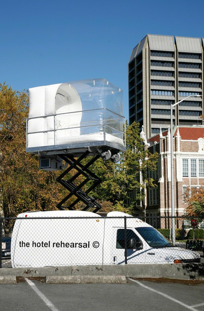 Alex Schweder The Hotel Rehearsal, 2013 Van, scissor lift, inflatable room, guests 20 x 8 x 30 ft. Courtesy of the artist  Photo: Mark Woods