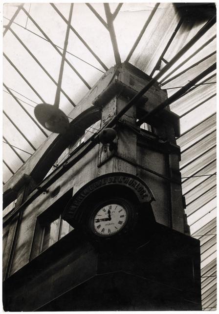 Germaine Krull, 'Architecture ancienne : imprimerie de l'Horloge (Ancient architecture: printing clock)', 1928, Jeu de Paume