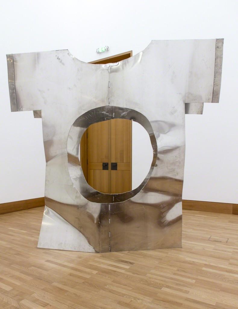Felix Oehmann, Gut Instinct (Bauchgefühl), 2017, aluminum, 265 x 280 x 135 cm