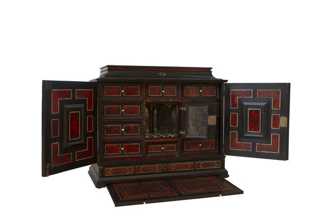 , 'Cabinet,' 1650, Sandra e Márcio