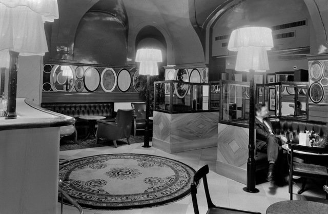 , 'Bar im Palais Schwarzenberg, Wien, AT, Architekt Hermann Czech,' 1990, Christine König Galerie