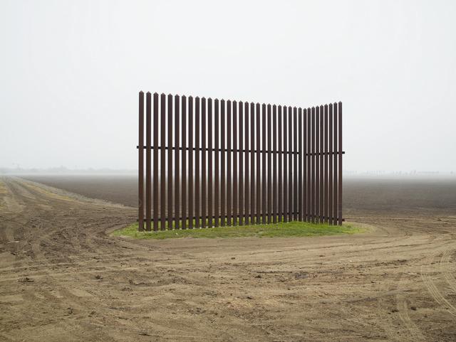 , 'Wall, Los Indios, Texas, 2015 / El muro, Los Indios, Texas, 2015,' 2015, Pace Gallery