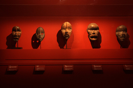 """The Masters of Sculpture from Ivory Coast."" From April 14 to July 26, 2015. © Musée du quai Branly, photo: Gautier Deblonde"
