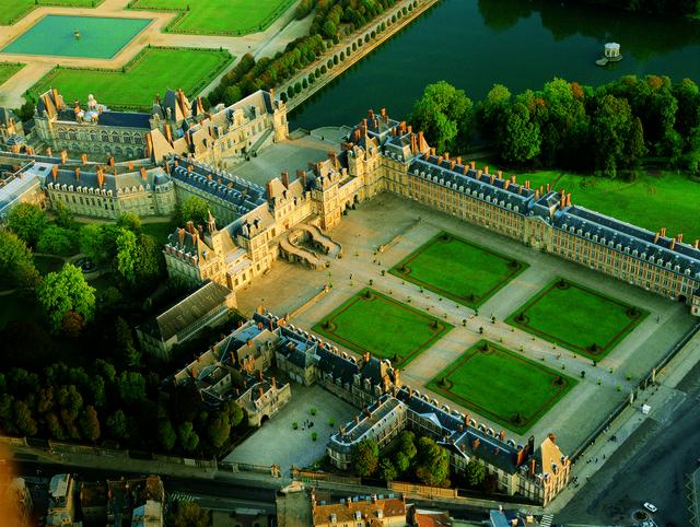 'Aerial view of Château de Fontainebleau', Château de Fontainebleau