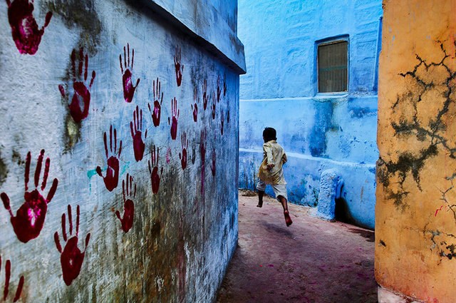 , 'BOY IN MID-FLIGHT, JODHPUR, INDIA,' 2007, Huxley-Parlour