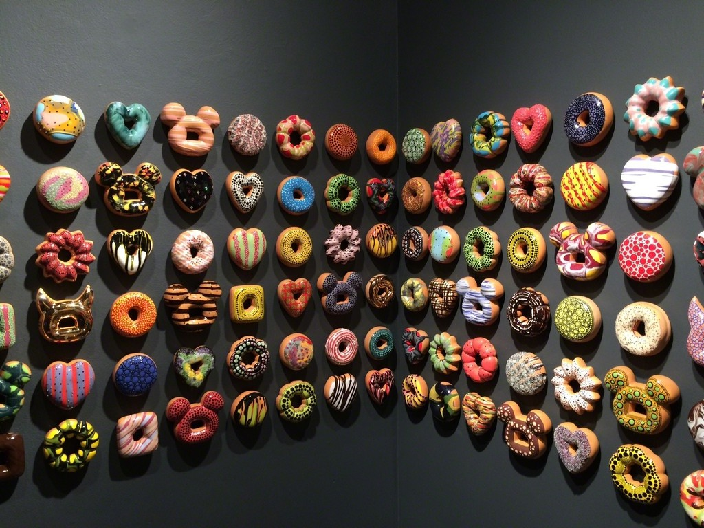 Jae Yong Kim: Donut Rush installation view