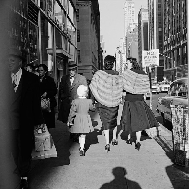 , 'VM1954W00154-11-MC - New York, NY, 1954, 2 Women Walking with Girl,' Printed 2017, KP Projects
