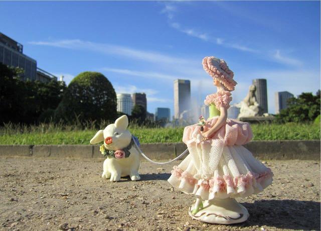 , 'Mascote e Madame [Mascot and Madame],' 2012, Portas Vilaseca Galeria
