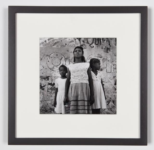 , 'Santiago de Cuba - Mother & 2 girls  in front of painted wall, Santiago de Cuba (Cuba series),' 1962-1963, Galerie Nathalie Obadia