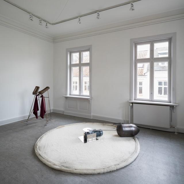 Christine Overvad Hansen, 'Spinner Muley', 2018, Sculpture, Bronze, graffit, engine, timer (8 sec), wool, Gether Contemporary