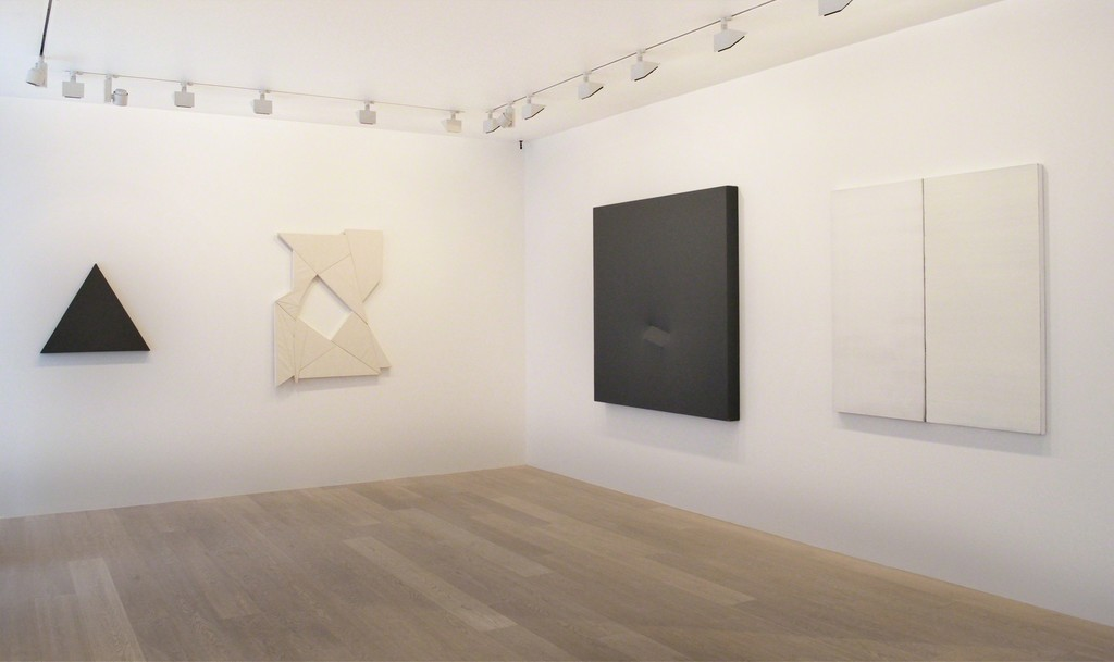 """""""Chromophobia"""" Installation view Photo by Claire Kremer"""
