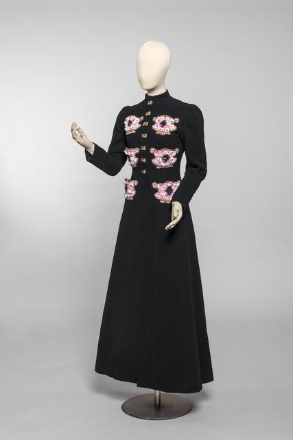 , 'Evening coat ,' 1938-1939, Les Arts Décoratifs