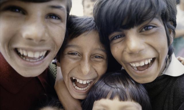 , 'Zigeunerkinderen, Portugal,' 1969, Nederlands Fotomuseum