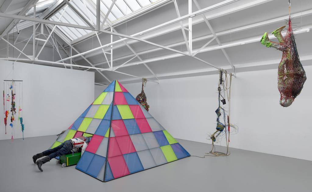 Installation view Beginnings - Folkert de Jong - 2019. Galerie Fons Welters, Amsterdam. Photo Gert Jan van Rooij.