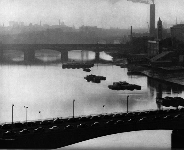 Evelyn Hofer, 'Thames Bridge', ROSEGALLERY