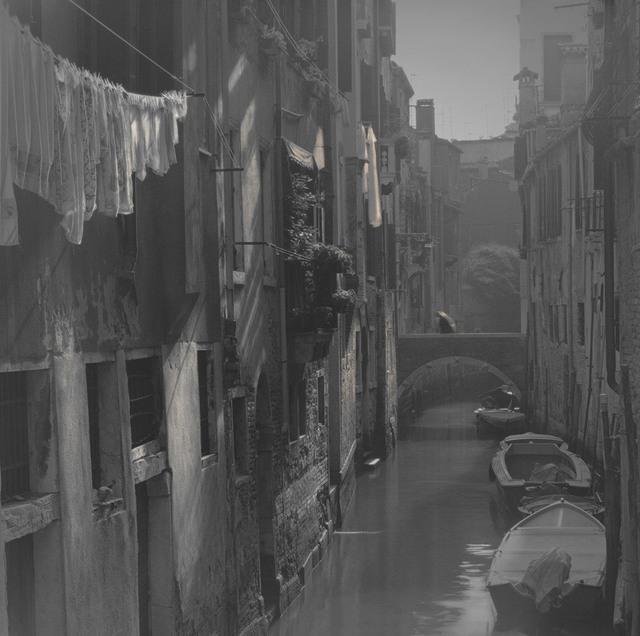 , 'Laundry Hanging along Canal, Venice,' 2006, Damiani