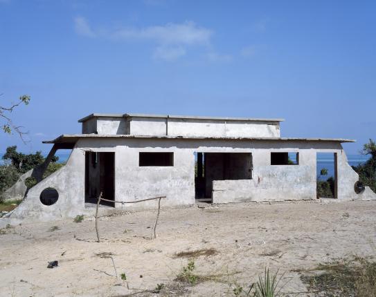 , 'Casa de Colonos Abandonada,' 2007, Galeria Filomena Soares