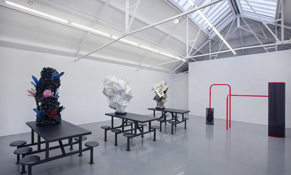 Installation view Folkert de Jong - Court of Justice, 2015/2016 at Galerie Fons Welters. Photography by Gert Jan van Rooij.