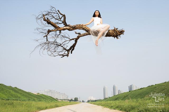 , 'Flying over Beijing,' 2015, Juliette Culture and Art Development Co. Ltd.