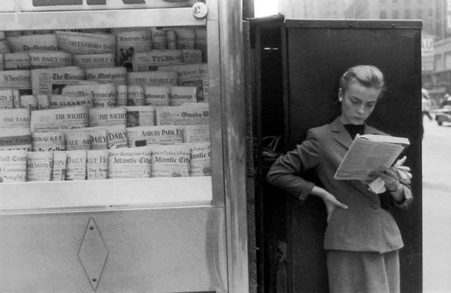 Louis Stettner, 'Elbowing Out of Town, News Stand, New York', 1954, Peter Fetterman Gallery