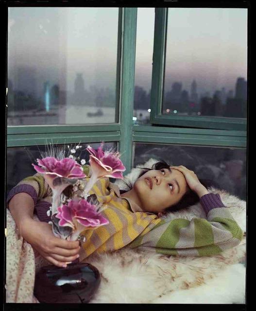 , 'Tian Yuan, devant une baie vitrée surplombant le fleuve, novembre 2002, Shanghai 田原,在可以眺望到河的飘窗前,2002年11月,上海,' 2002, Shanghai Gallery of Art