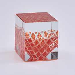 Internally-decorated cube