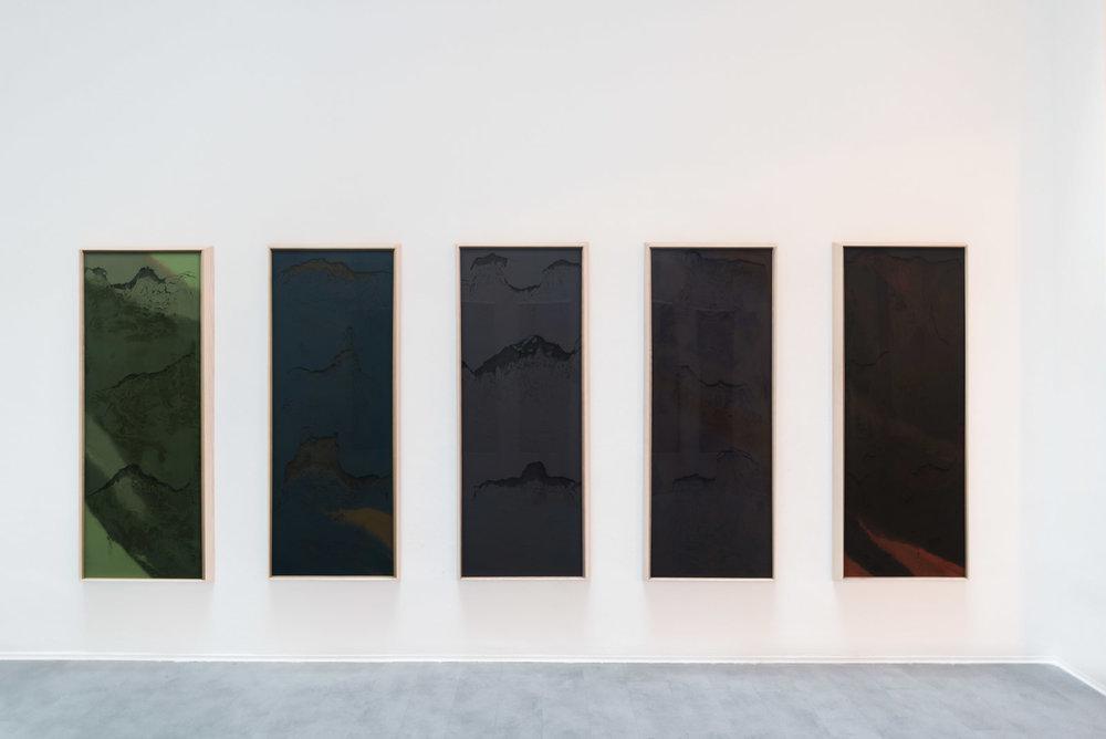 TERRA, GEOGRAFIA TEMPORALE, 2016  Pigmento puro; polittico, 160x60 cm Pure pigment; polyptych, 56,2x40,5 inches