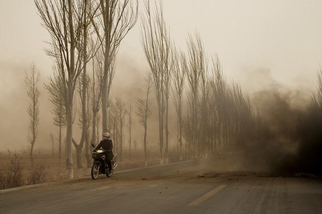 , 'La motocyclette, Mongolie Intérieure (Le Dust Bowl chinois),' 2006, Galerie Hugues Charbonneau