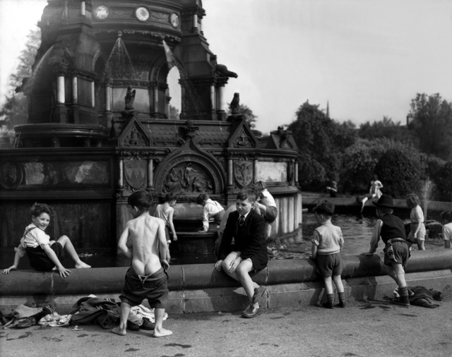 Harry Benson, 'Glasgow Boys in Fountain', 1956, Holden Luntz Gallery