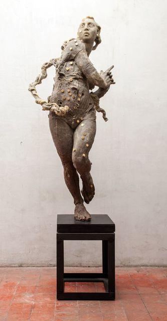 , 'Mujer de pie,' 2006, Terreno Baldío
