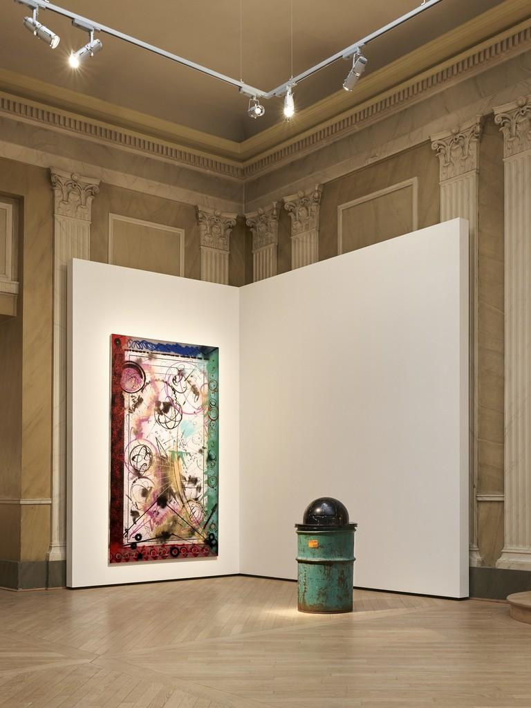 Futura 2000, 'Foreign body in my eye', 1984. Klara Lidén, 'Trash Can', 2012.