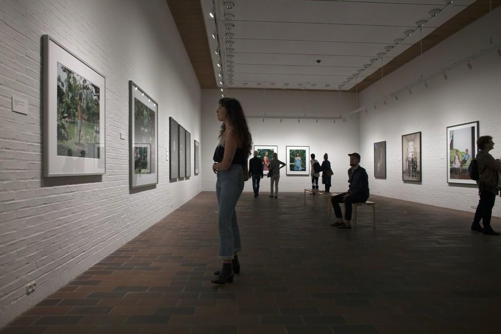Rineke Dijkstra - The One and the Many 21.09 2017 - 01.01 2018    Louisiana Museum of Modern Art. Photo: Poul Buchard / Brøndum & Co.