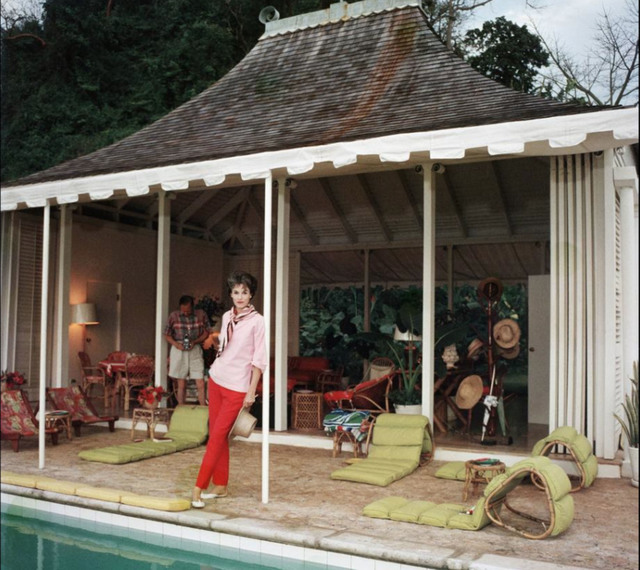 Slim Aarons, 'Family Snapper', 1959, IFAC Arts