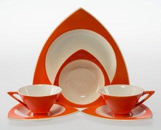 Thirty-Three-Piece Tricorne and Streamline Tableware Set